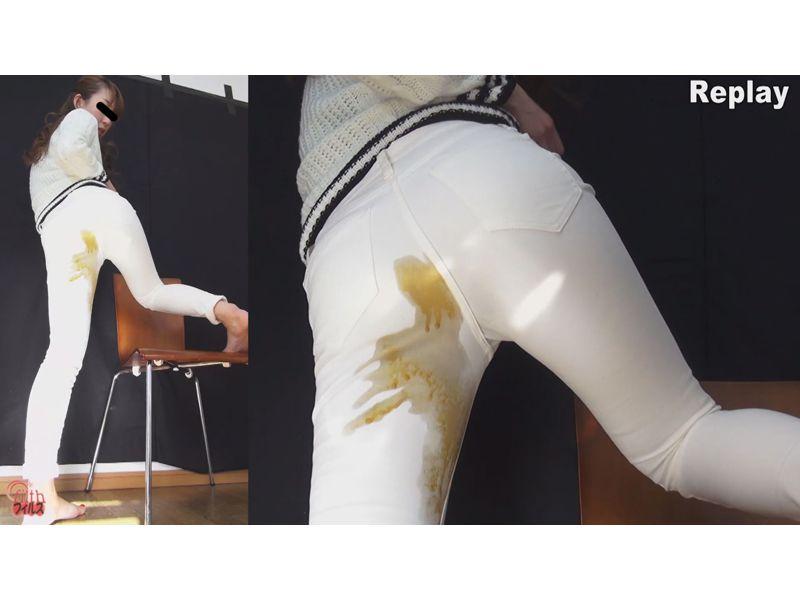 【大便】ピタパンの裾から漉し糞がニュニュニュニュニュ~wピチピチパンツでお漏らし観察 その6
