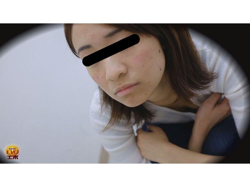 【排便盗撮】女の子のいきみ糞を淡々と観察する その6