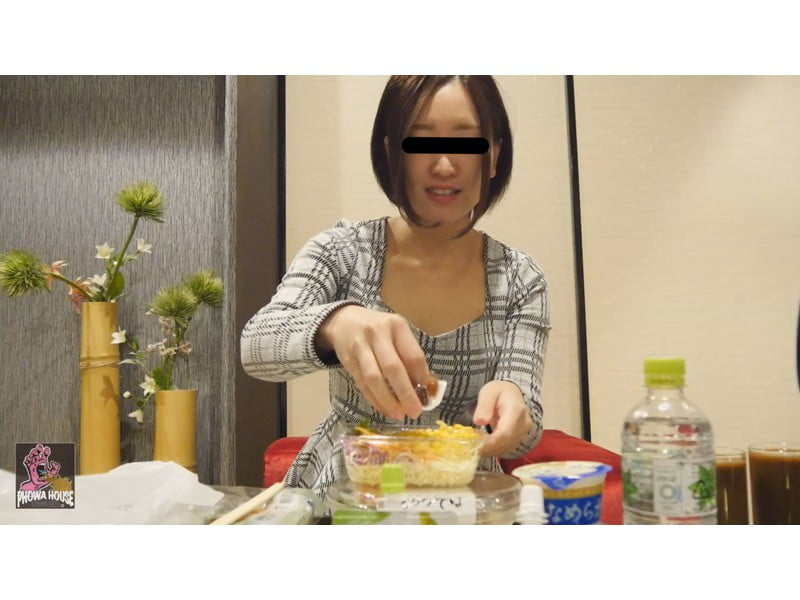 過食嘔吐から二日酔いゲロまで、全国の素人娘から届いた自画撮りゲロレター その1