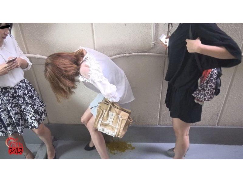 アナルがもう限界っ…!トイレ順番待ち中の大便お漏らし その1