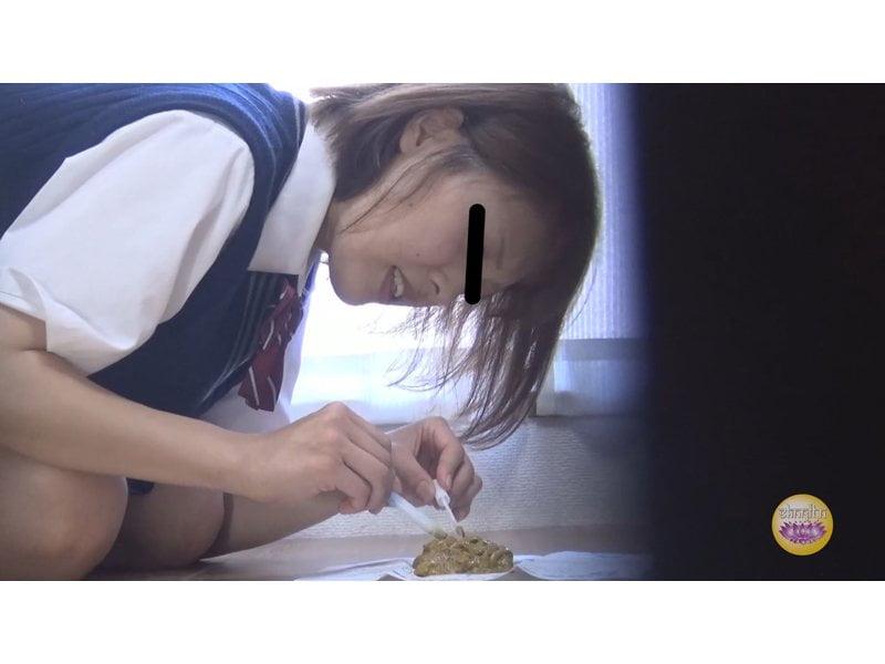 【排便盗撮】検便女子校生を隠し撮り ウンチの採り方は人それぞれw その1