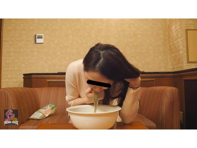 過食嘔吐から二日酔いゲロまで、全国の素人娘から届いた自画撮りゲロレター その2