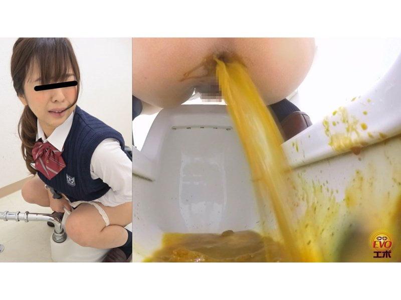 【排便盗撮】和式便所隠撮!お腹ゆるゆる女子校生たちのシャバシャバうんち その12