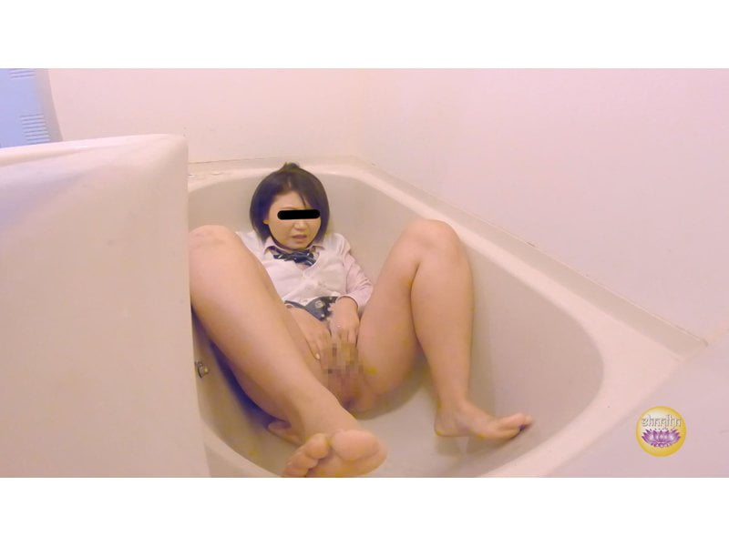 【排便盗撮】オマンコ覗き込み小便~性に興味を持ち始めた妹の放尿記録~ その2