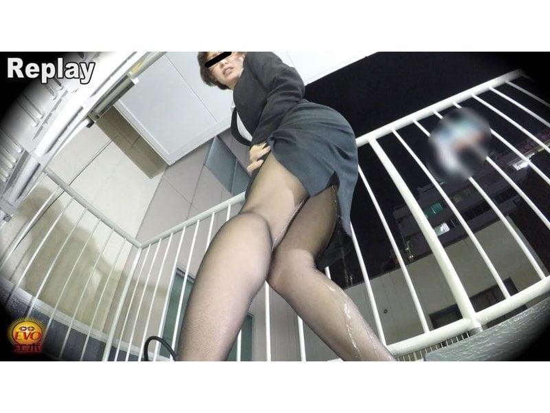 【小便】キャリアウーマンの大失禁観察 その3
