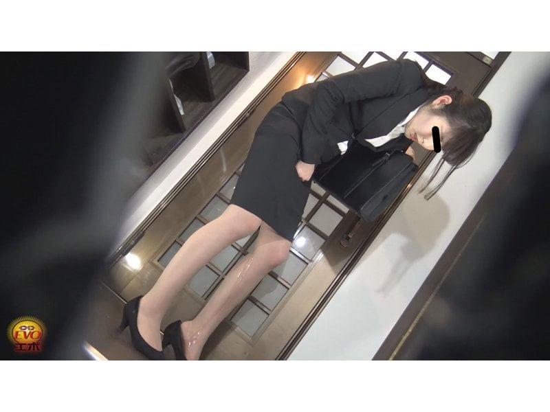 【小便】キャリアウーマンの大失禁観察 その8