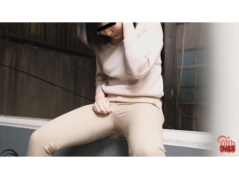 【排便盗撮】街中で小便お漏らしする膀胱パンパン女子たち その10