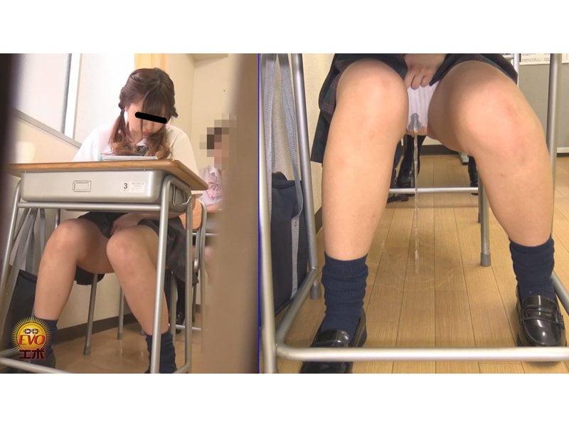 【排便盗撮】授業の真っ最中に膀胱が決壊… 女子校生小便お漏らしの瞬間 その5