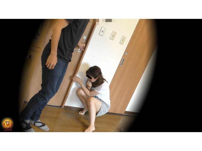 【排便盗撮】真夏の失禁エピソード スカートが小便でびっちょんこ! その12