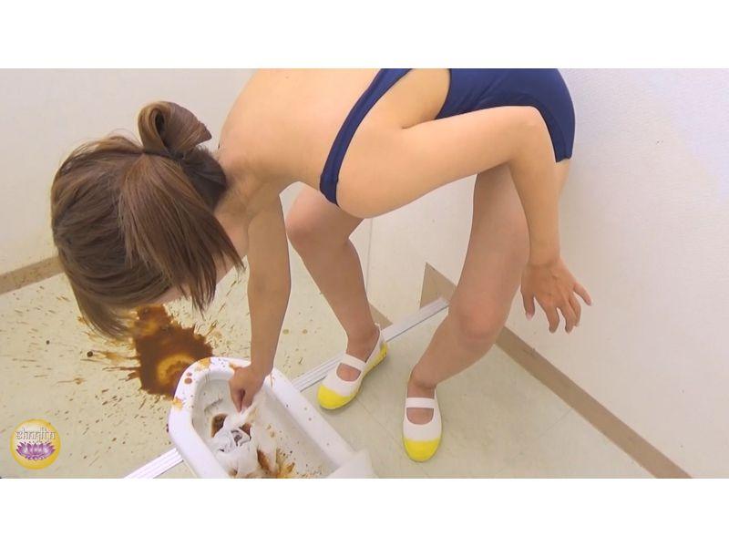 【排便盗撮】水着のまま便所に猛ダッシュ!スク水女子校生たちのお腹イタイ下痢便 その5