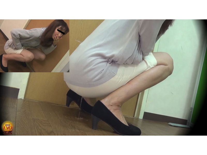 【排便盗撮】真夏の失禁エピソード スカートが小便でびっちょんこ! その5