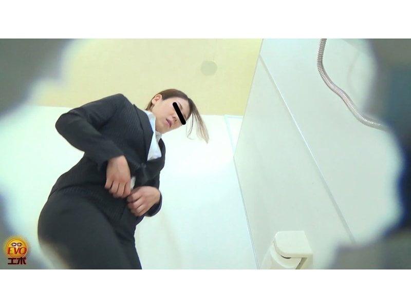【排便盗撮】和式便所OL大便盗撮 痴音と共に大糞モリモリどっさり! その10