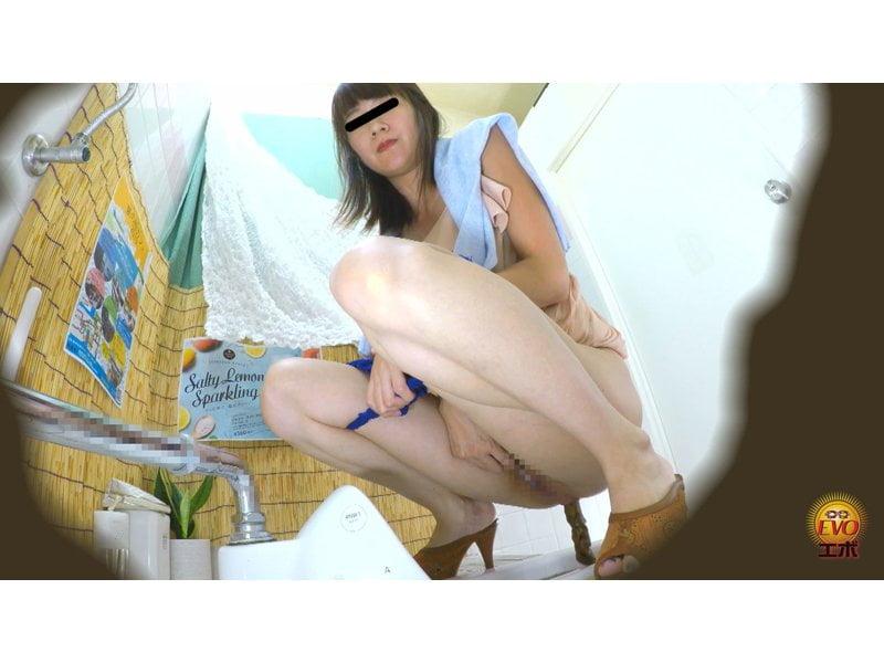 【排便盗撮】シャレオツcafeのトイレにカメラを設置!意識高い系女子たちの大便風景を隠し撮り その11
