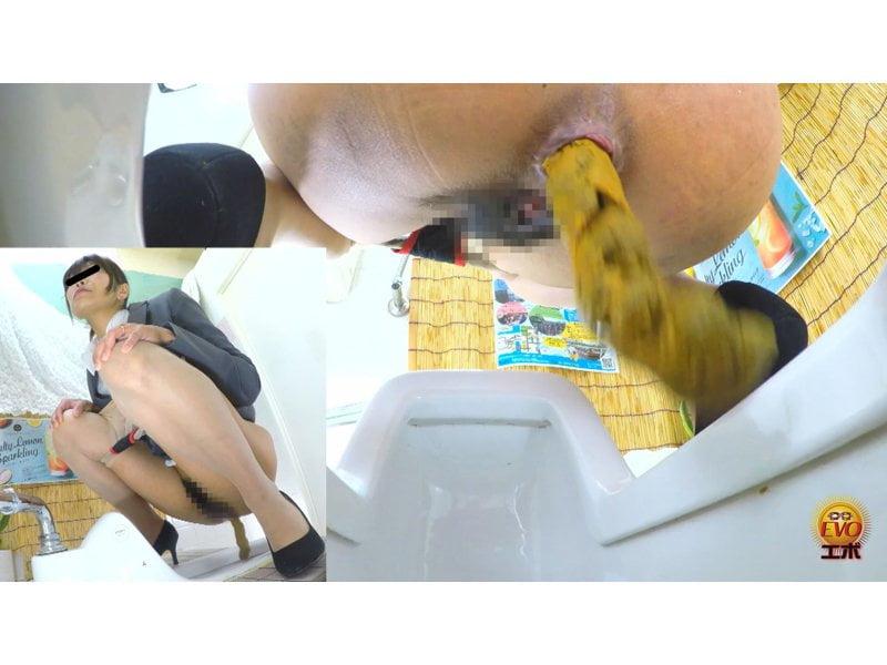 【排便盗撮】シャレオツcafeのトイレにカメラを設置!意識高い系女子たちの大便風景を隠し撮り その2