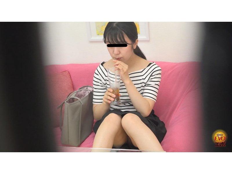 【排便盗撮】シャレオツcafeのトイレにカメラを設置!意識高い系女子たちの大便風景を隠し撮り その3