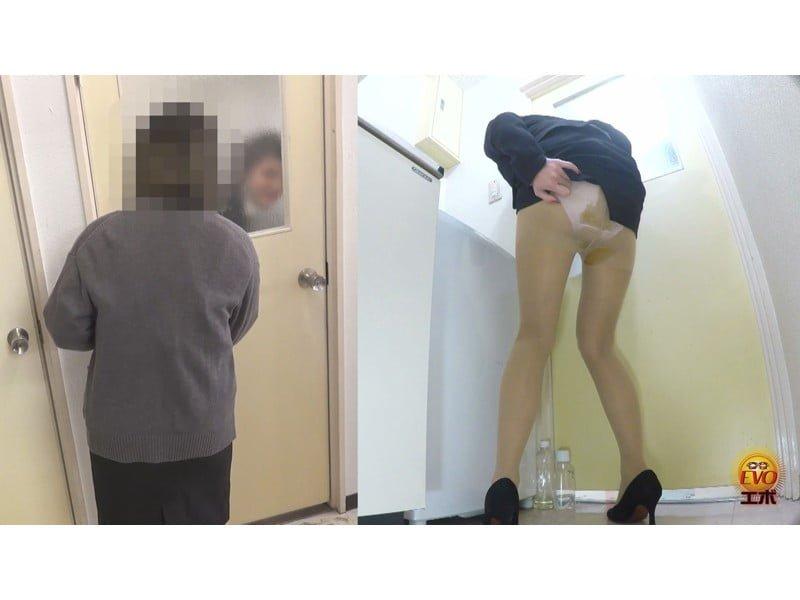【排便盗撮】パンツを侵食するウン汁!じわじわ染み出す下痢便観察【大便】 その4