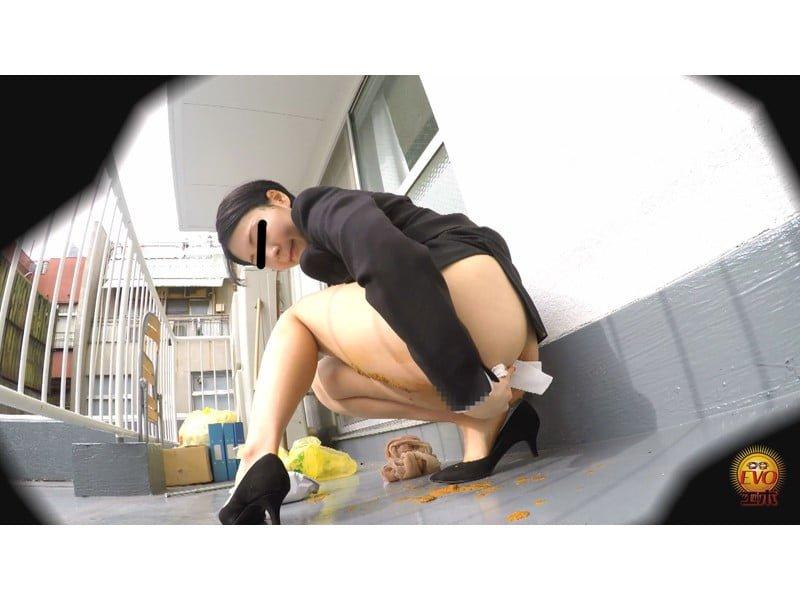 【排便盗撮】パンツを侵食するウン汁!じわじわ染み出す下痢便観察【大便】 その7