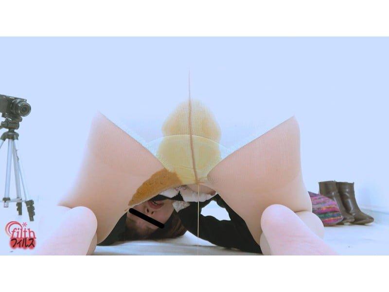 【大便】ウン汁が純白パンティを徐々に浸食!糞漏らしパンティ観察 その11