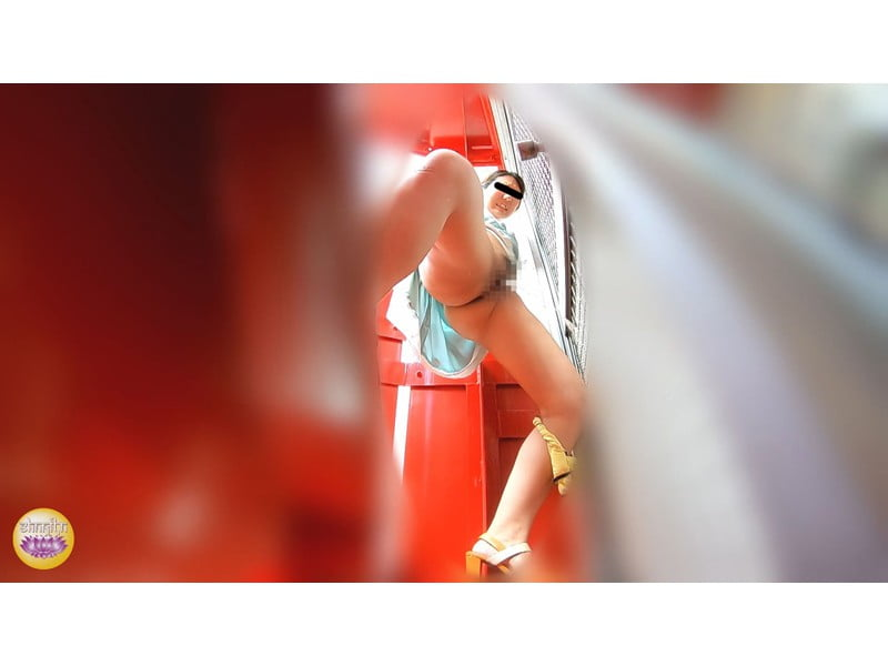 【排便盗撮】トイレに辿り着けなかったJDがそこら中でジョンジョロリン!女子大生ハプニング小便まとめ その15