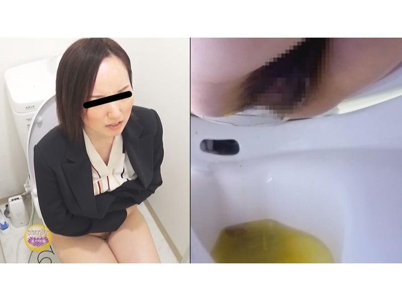 【排便盗撮】トイレが空くまで肛門が持たない!OPP限界OLたちのベランダ緊急避難下痢便【大便】 その17