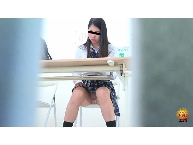 【排便盗撮】学習塾小便盗撮 授業の真っ最中の恥ずかしお漏らしの瞬間 その22