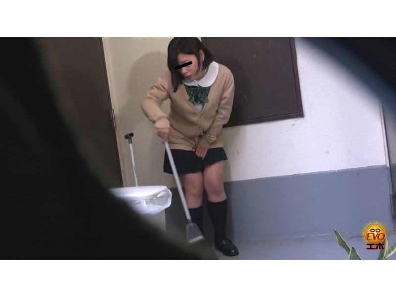 【排便盗撮】女子校生小便盗撮 ワレメから尿柱一閃!ビュッとキレの良いオシッコまとめ その6