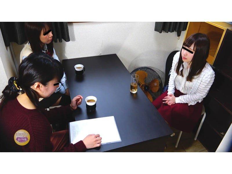 【排便盗撮】一生残る黒歴史w三者面談中の女教師小便おもらし その9