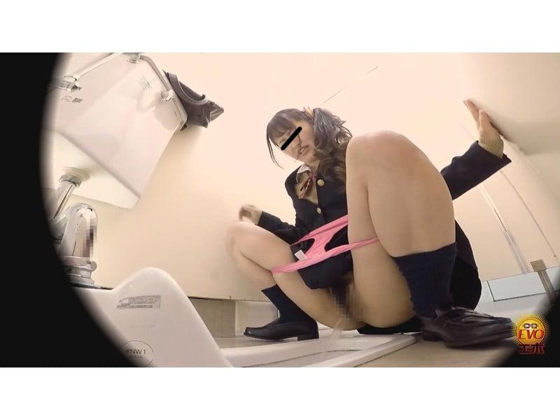 【排便盗撮】女子校生小便盗撮 ワレメから尿柱一閃!ビュッとキレの良いオシッコまとめ その16
