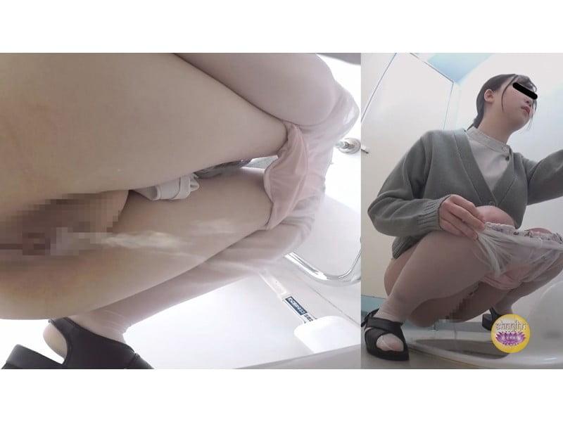 【排便盗撮】病院トイレ盗撮 白衣の天使たちの小便 その18