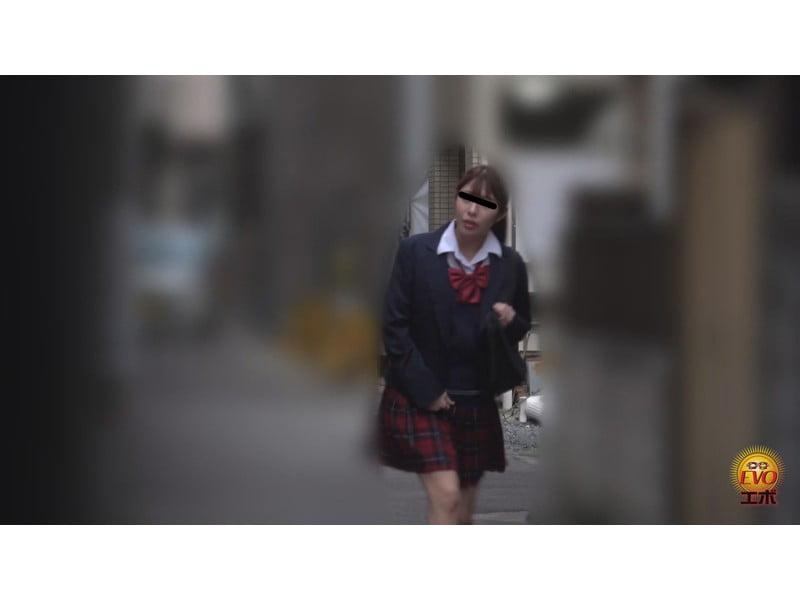 【排便盗撮】女子校生小便盗撮 ワレメから尿柱一閃!ビュッとキレの良いオシッコまとめ その19