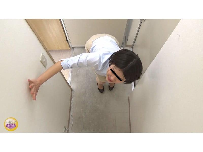 【排便盗撮】社内悪質パワハラの一部始終 後輩OLトイレ締め出し失禁 その24