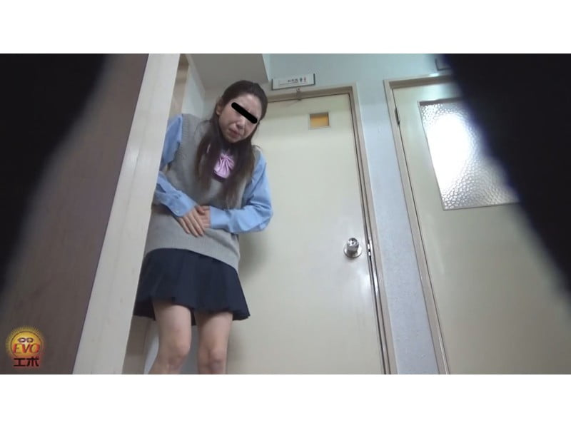 【排便盗撮】可愛い女の子でも出るモノは皆一緒!女子校生のおならと小便 その23