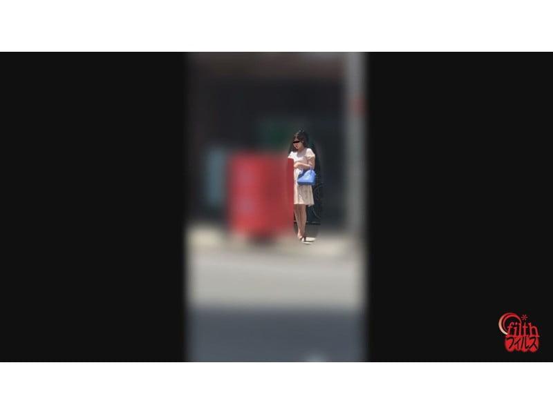 【排便盗撮】和式便所大便盗撮 シャレオツシティーガールの大便隠し撮り その1