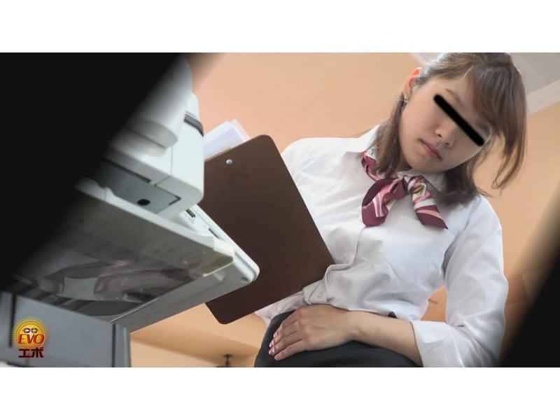 【排便盗撮】社内女子便所盗撮 オフィスレディたちのユルうんち その1