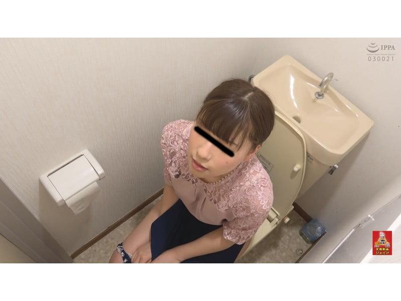 【排便盗撮】放尿エクスタシー☆不快感を伴う小便我慢からの一斉放射にハマる女たち その8