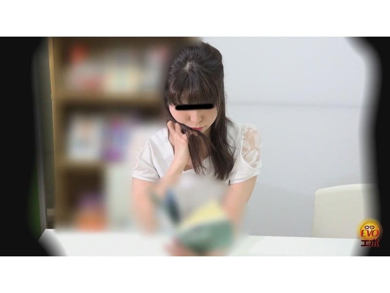 シてはいけないと思うほどシたくなる…サイレント図書館でおならをしたくなる女性たち その17
